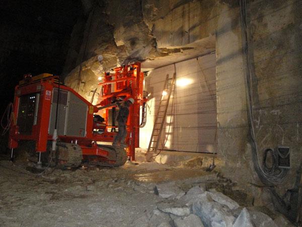 """Il marmo di Lasa viene estratto dal massiccio """"Jennwand"""" in Val Venosta"""